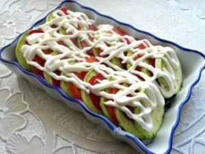 kabachki-v-duxovke-s-pomidorami-i-syrom2