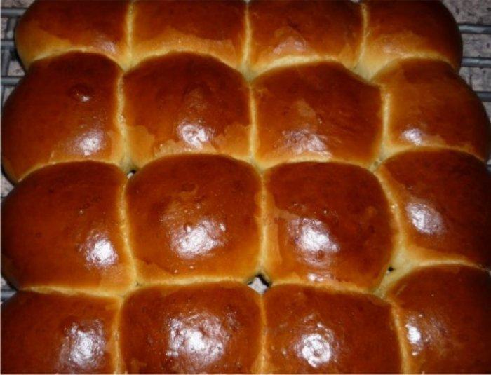 сдобные булочки на кефире и дрожжах